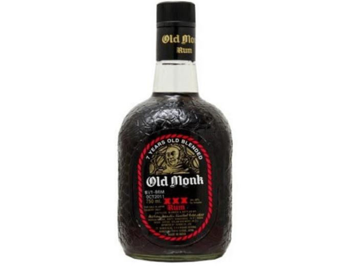 ラム酒/オールドモンク インドのお土産