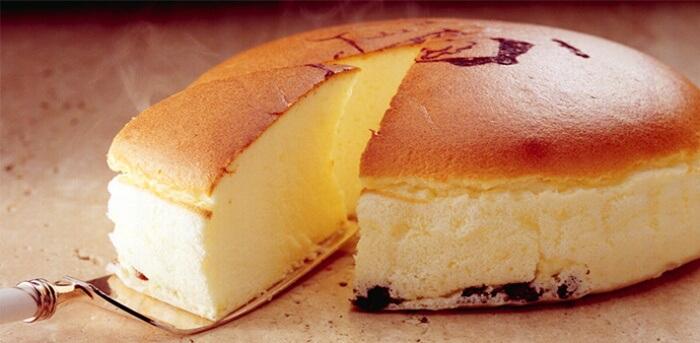 焼きたてチーズケーキ/りくろーおじさんの店 大阪のお土産