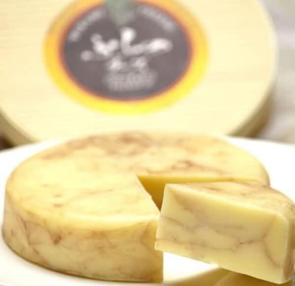 ワインチェダー/ふらのチーズ工房 富良野のお土産