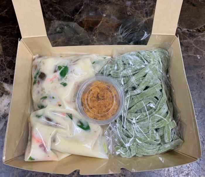 ズワイ蟹とポルチーニの煮込みクリームソースもちもちグリーン生パスタ カラスミ添え/リストランテキメラ 京都の人気お取り寄せグルメ