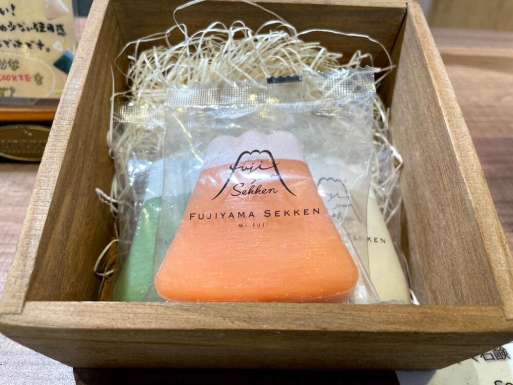 フジヤマ石鹸/FUJIYAMA COOKIE × 松山油脂 山梨のお土産
