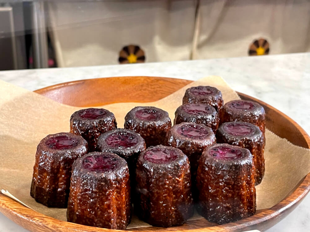 黒糖カヌレ/ほうき星 沖縄のお土産